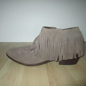 Steve Madden Patzee Suede Boots